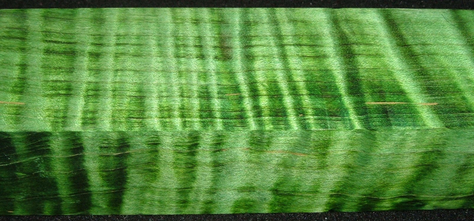 Z437, Curly Tiger Maple Dyed Stabilized, wood block scales/handle, Green, 1-1/8x1-13/16x5-3/4