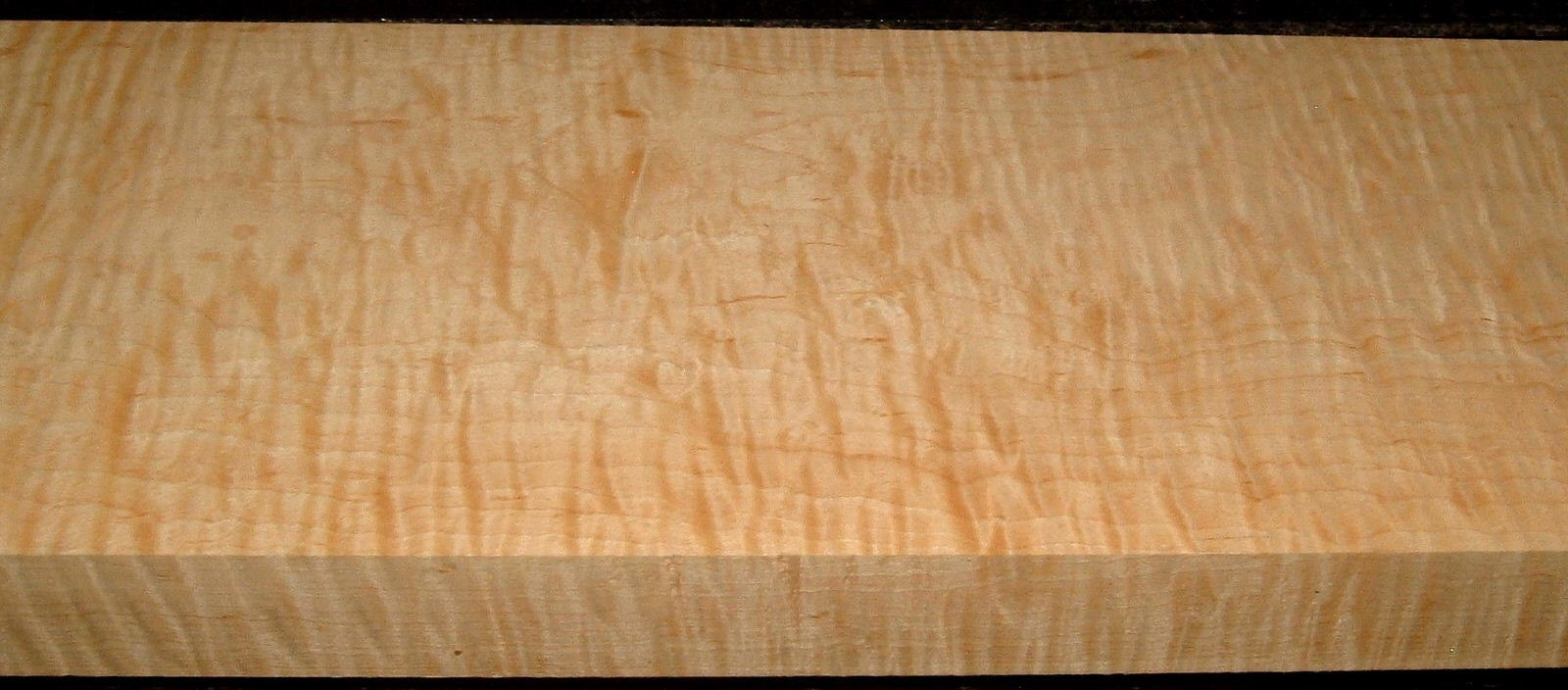 HM2001-14, 1-15/16x7-1/2x43, Curly Tiger Hard Maple