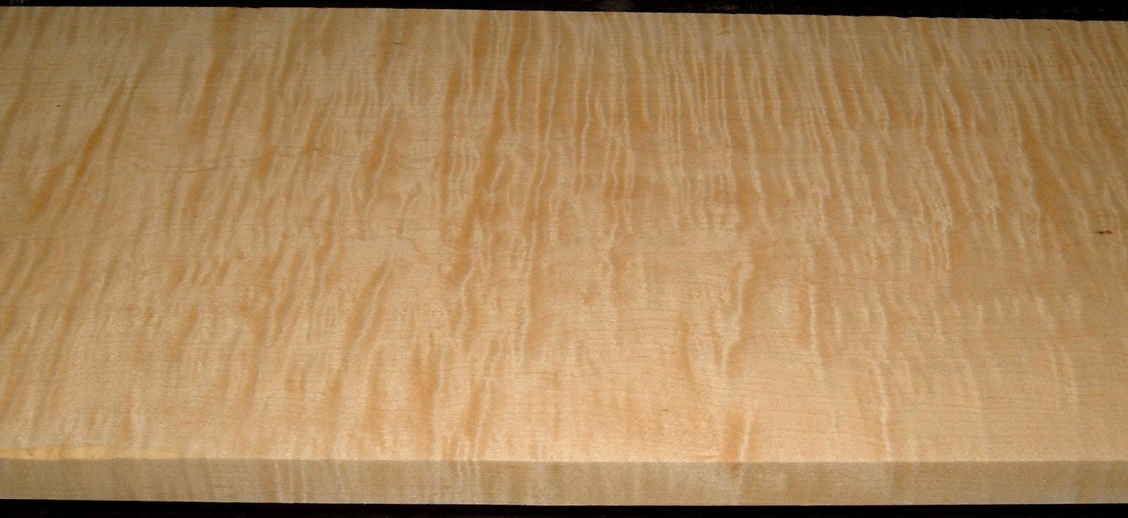 HM2001-26, +7/8x9-1/2x42, Curly Tiger Hard Maple