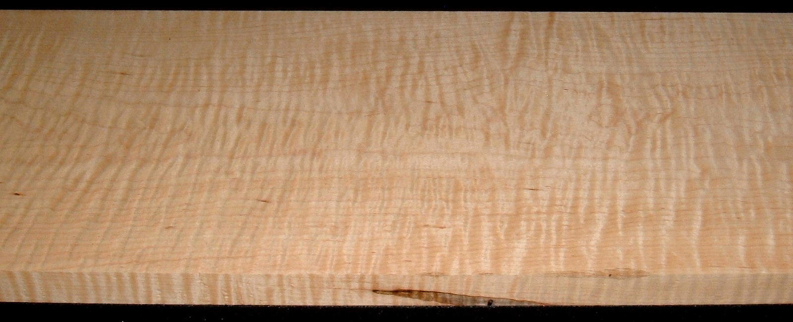 M2007-577,1-1/8x11x45 Curly Tiger Maple