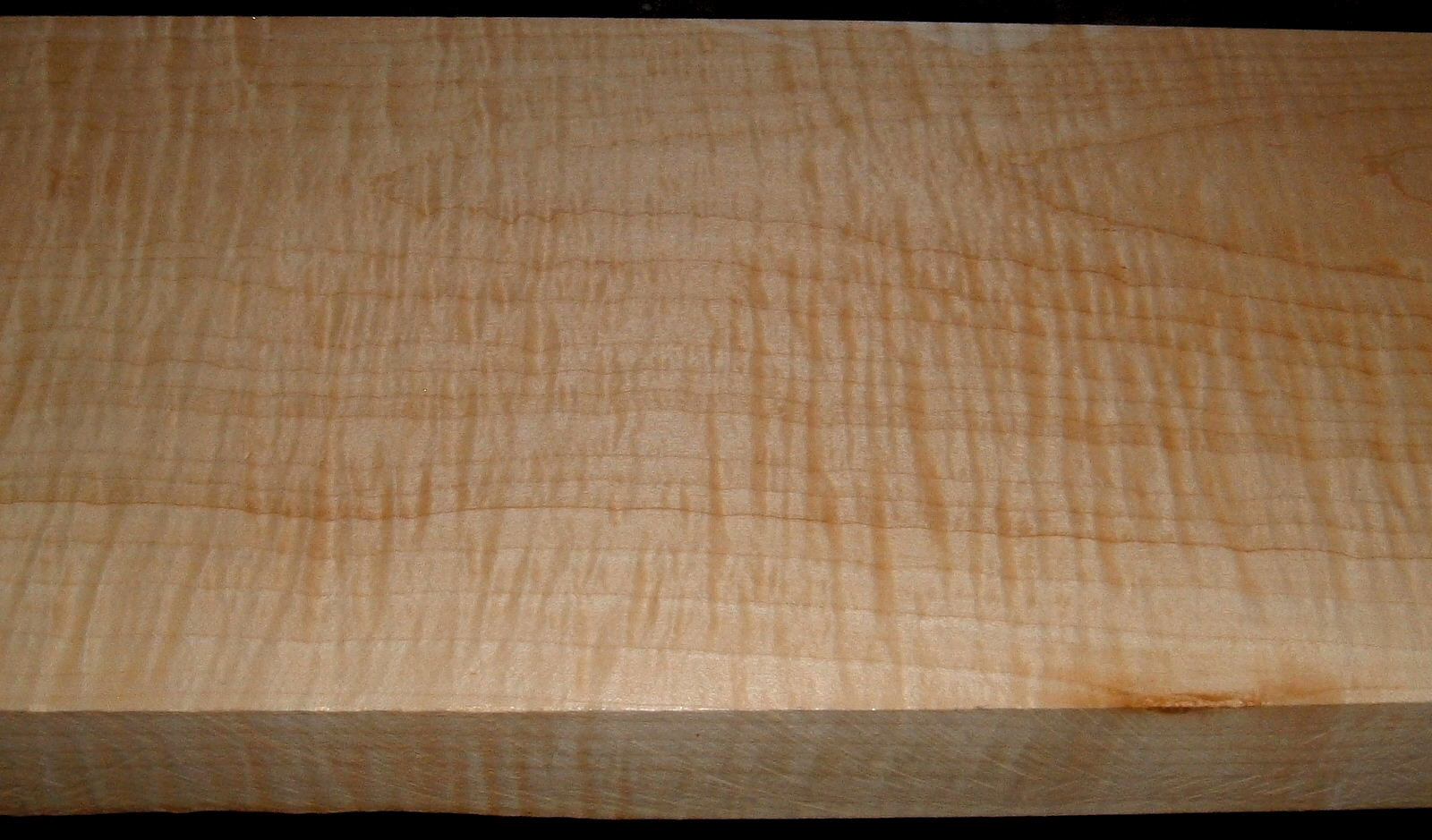 M1912-571J,L, 1-7/8x8-5/8x50, Curly Tiger Maple