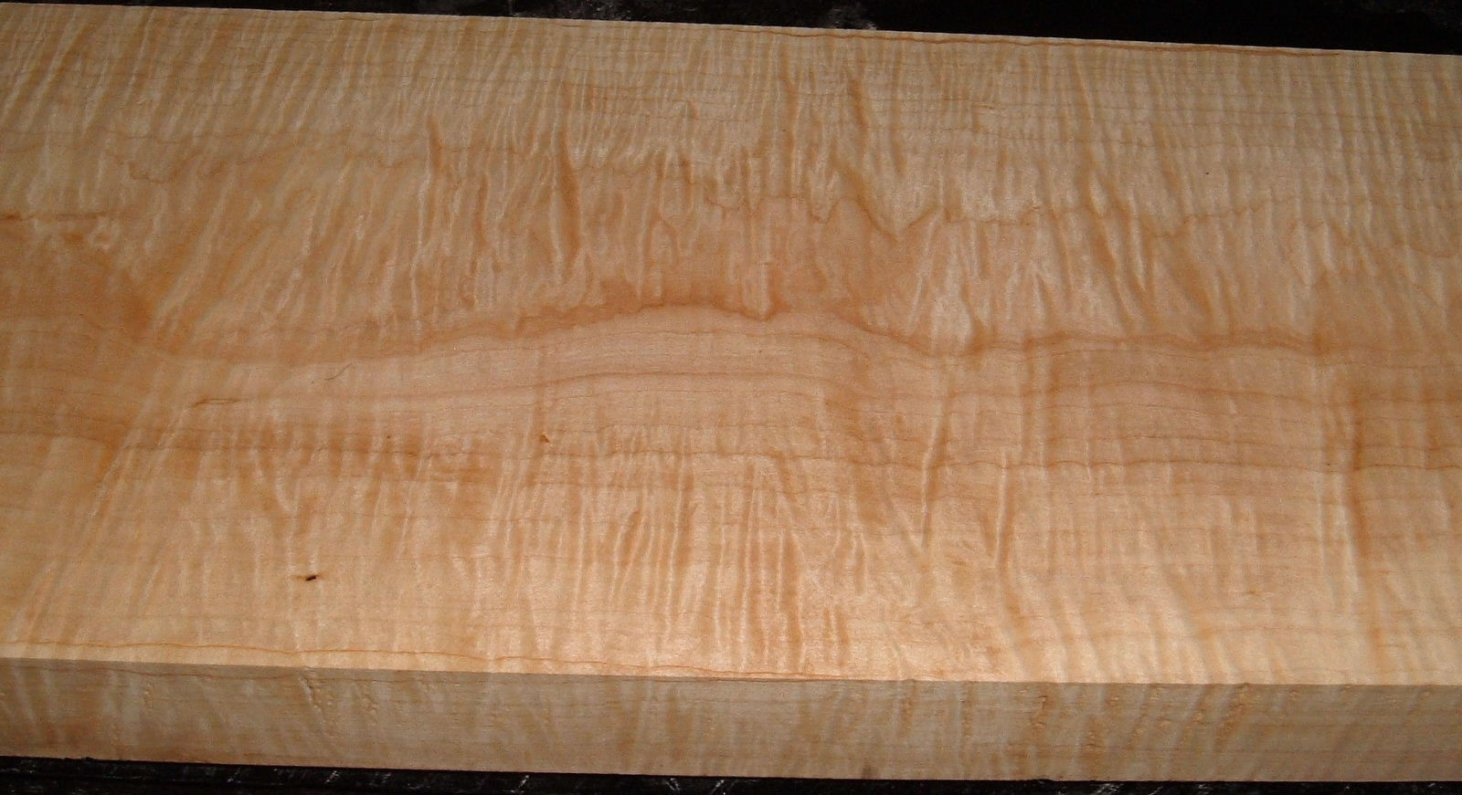M1912-582J, 1-7/8x9-5/8x46, Curly Tiger Maple