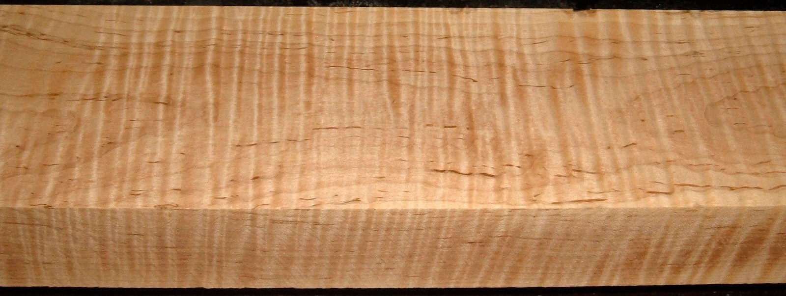 M2001-55, 2-5/16x5-1/4x45, Curly Tiger Maple