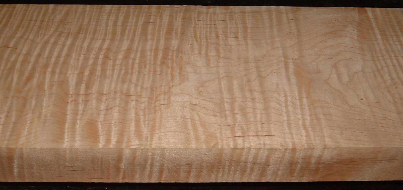 M2007-609, 1-7/8x8-3/8x46, Curly Tiger Maple, Luthier Figure
