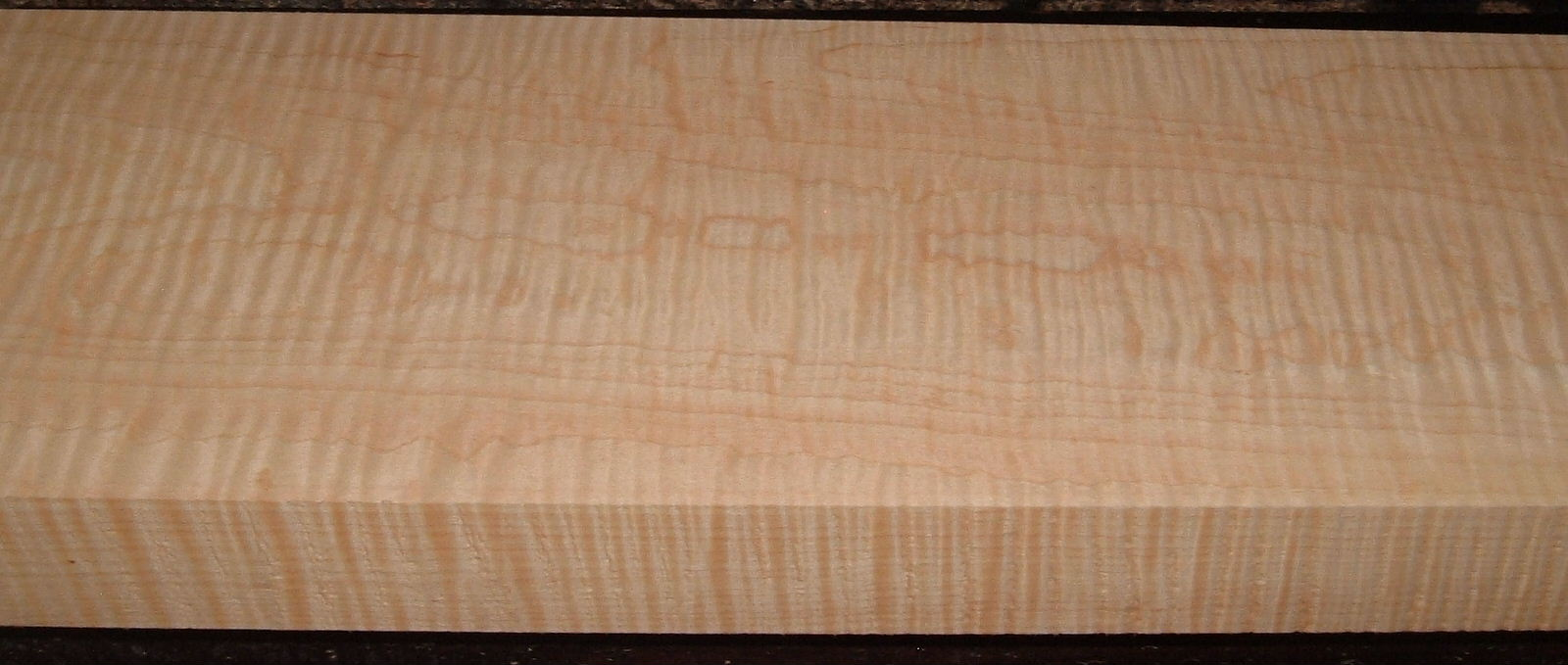 M2007-610, 1-13/16x7-1/4x43, Curly Tiger Maple, Luthier Figure