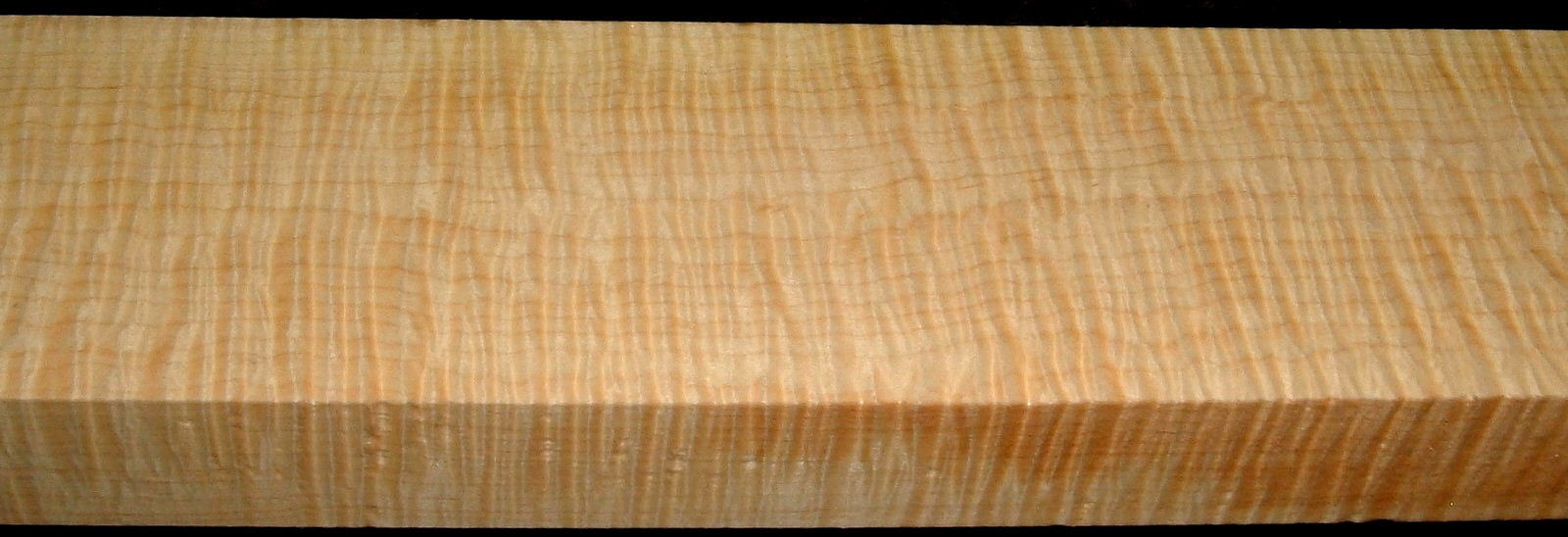 QS2001-9, 1-1/2x3-1/2x32, Quartersawn Curly Maple