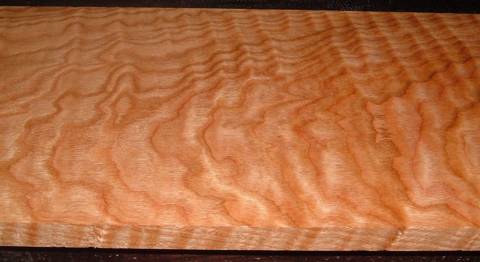 RO2102-16, Curly Figured Tiger Red Oak,1-1/16x11x42