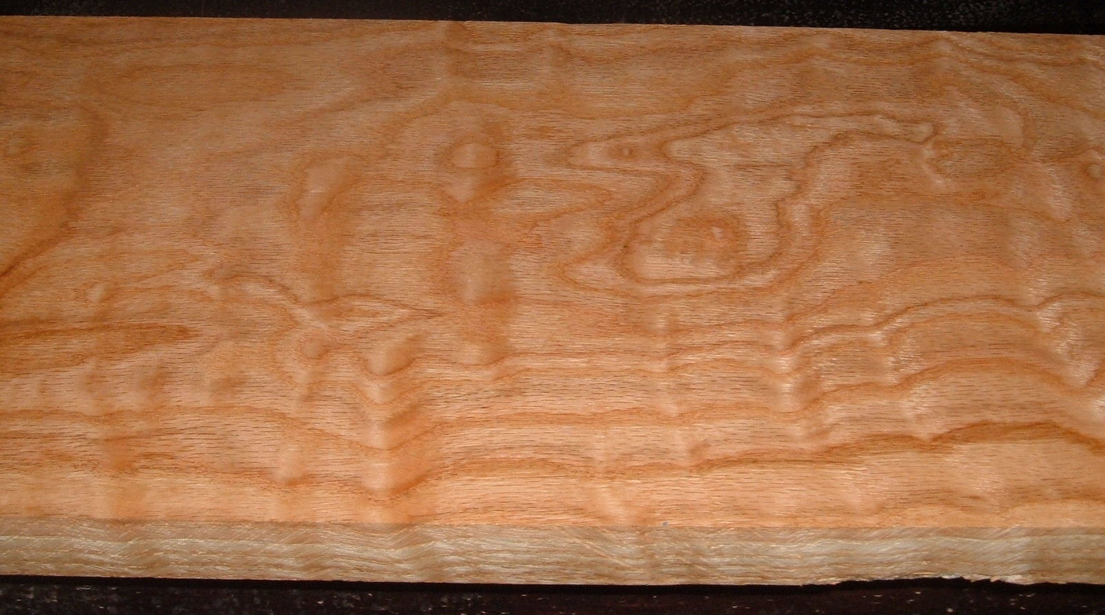 RO2102-17, Curly Figured Tiger Red Oak,1-1/8x9-3/4x40