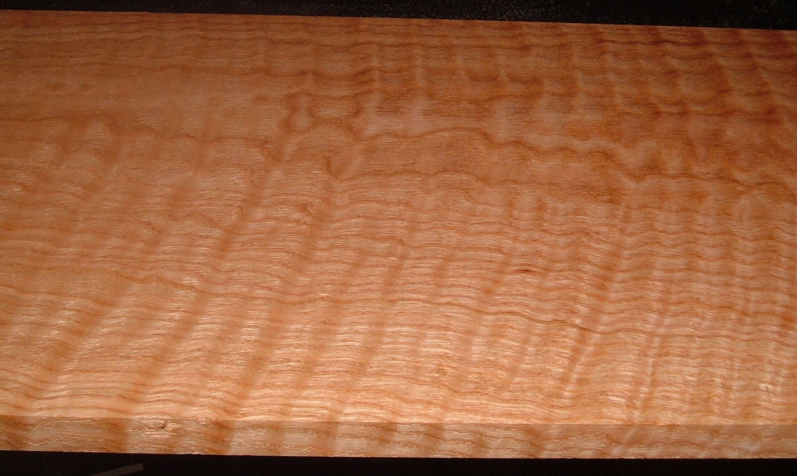 RO2102-15, Curly Figured Tiger Red Oak,15/16x12x42